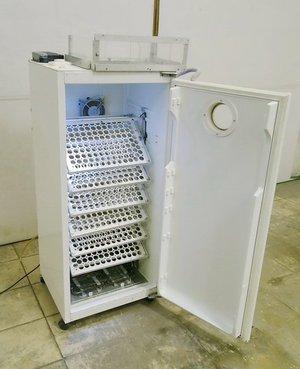 Инкубатор из старых холодильников
