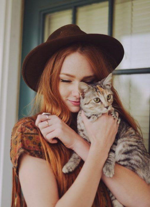 осенняя фотосессия с кошкой