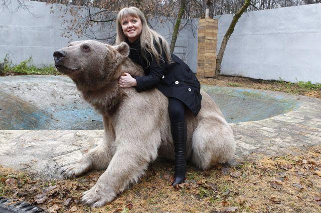Светлана Пантелеенка верхом не медведе Степане