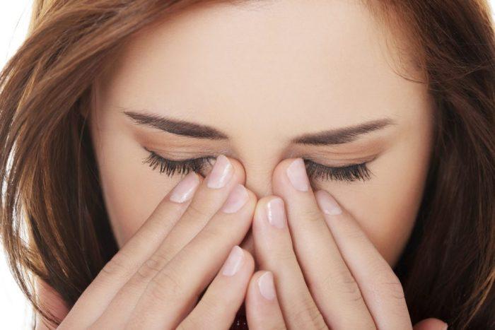 промыть глаза от лекарства