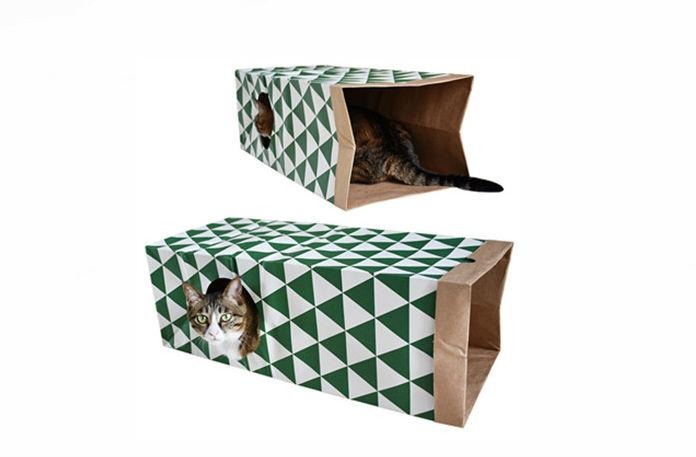 Тоннель для кота из бумажных пакетов