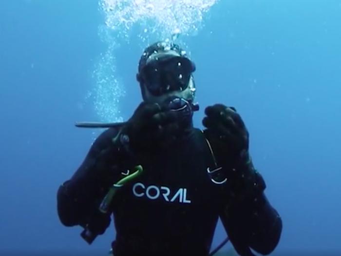 Кевин Шмидт после знакомства с акулой