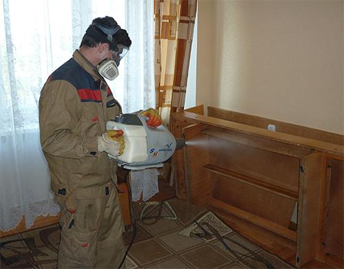Обработка помещения инсектицидом