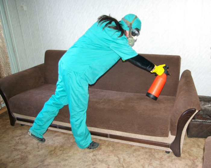 Опрыскивание мягкой мебели
