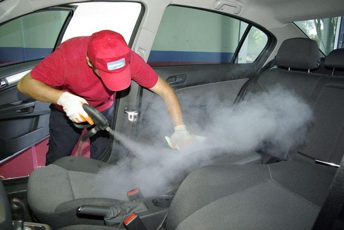 Уборка в салоне автомобиля