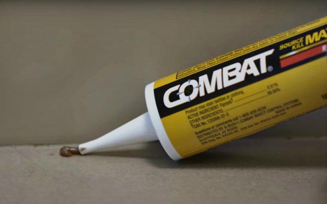 Нанесение геля Комбат