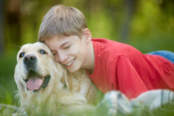Собака с ребёнкм